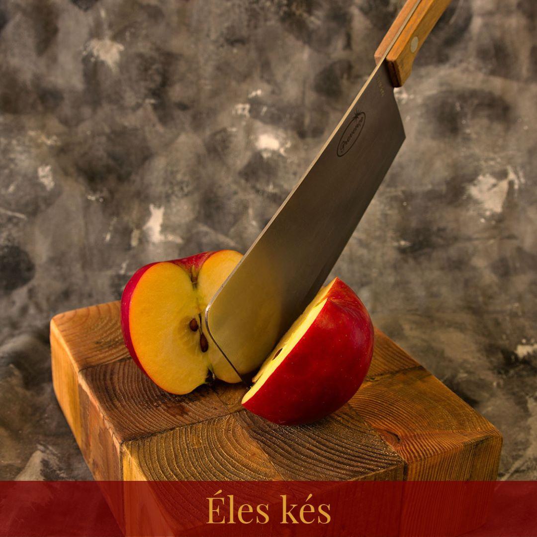Éles kések a vendégház konyhájában
